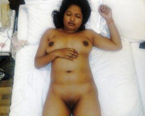 Slutty Desi Nude Pussy