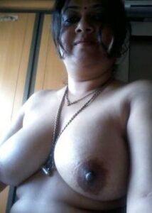 naked milf tits