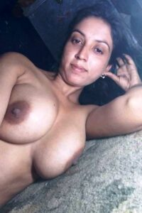 nude autny boobs hot