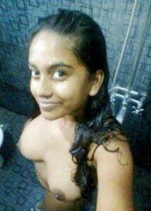 teen bath nude
